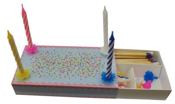 Zündholzschachtel mit Geburtstagskerzen 112x62x20mm,